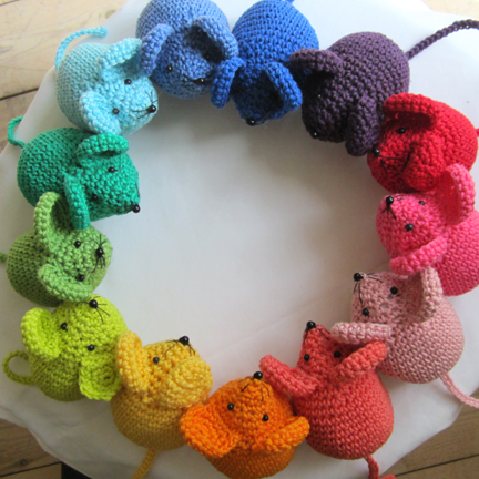 a ring of mice
