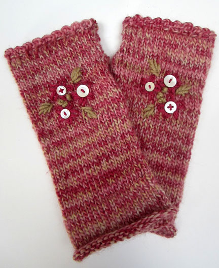 Knitted Wrist Warmer Pattern free from Planet Penny