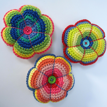 Crochet Flower Pincushion Pattern : crochet flower pincushions