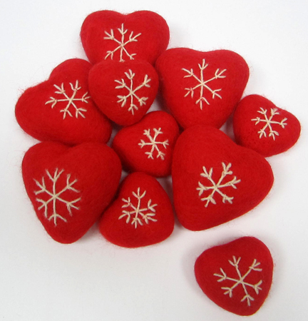 needlefelt Scandinavian Hearts