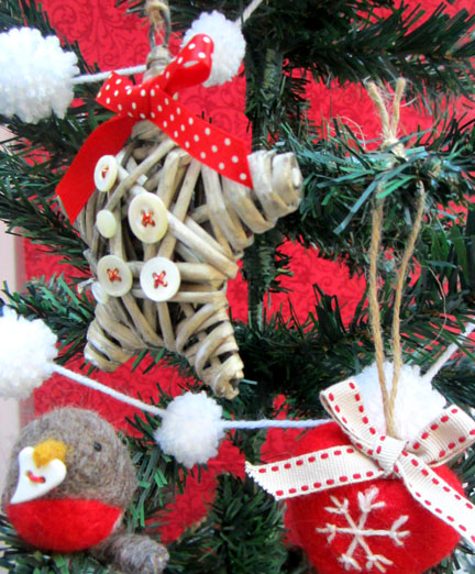 Tree Decs and Pompoms Advent Calendar Day 10