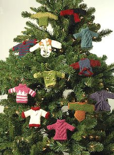 littel jumpers - Christmas Countdown Day 14