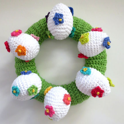 crochet eggs on ring